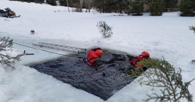 Výcvik záchrany osob z vody a zamrzlé vodní hladiny